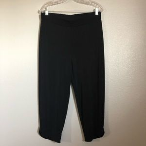 NWT Easywear By Chico's Black Capri Pull On Slim